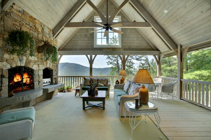Porch of a home in Big Sheepcliff